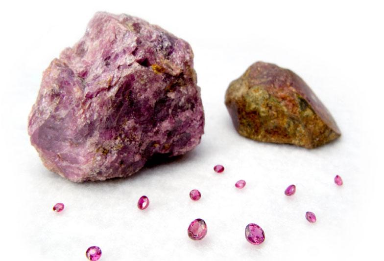 【福山市】ピンクダイヤモンドは結婚指輪に最適?可愛いだけではない魅力を紹介!