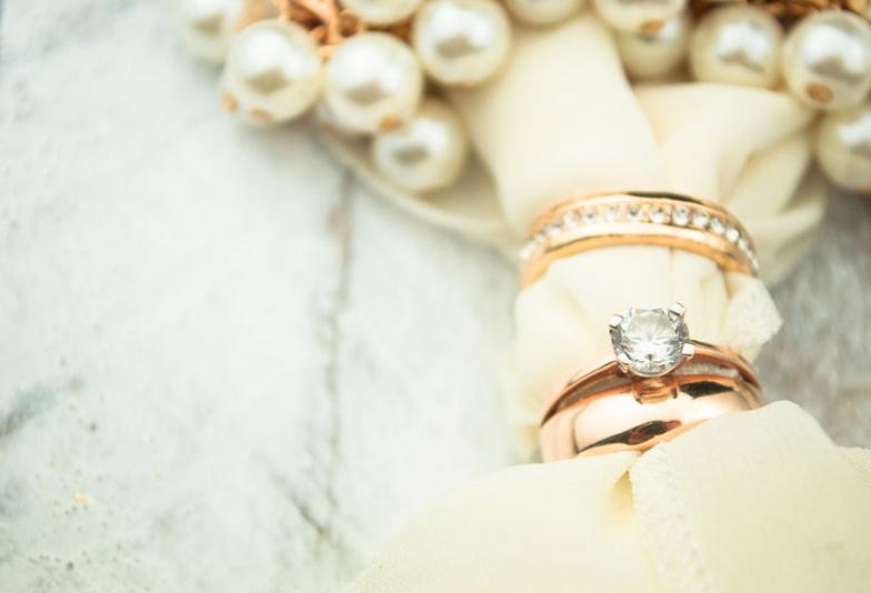 【福岡県久留米】デザインだけじゃない!ダイアの留め方によって変わる指輪の印象