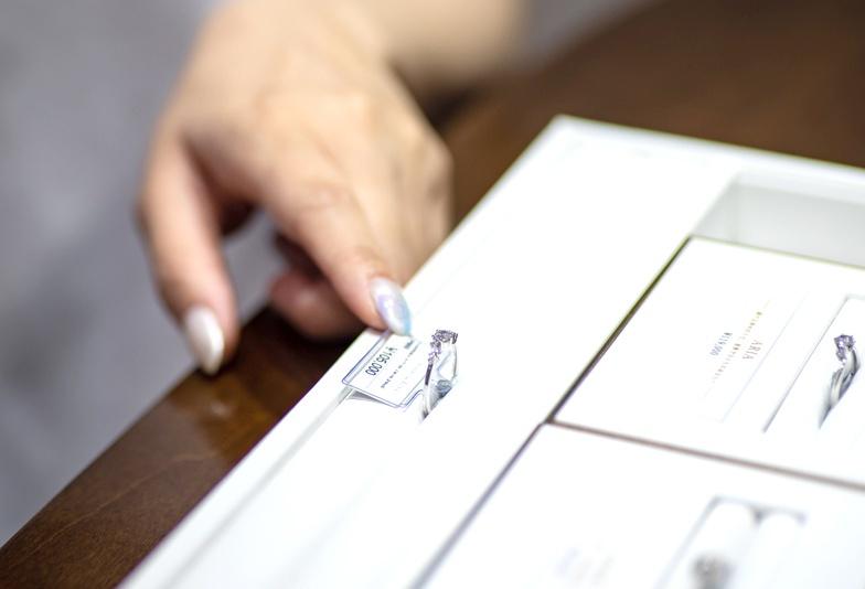 【静岡市】注意!30代女子の婚約指輪「人気デザイン」だけで選んだ後の後悔とは
