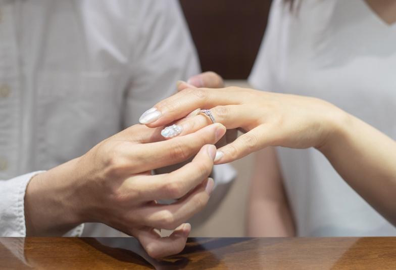 【静岡市】30代の自分に似合う婚約指輪は?こだわるのは人気デザインだけではなかった