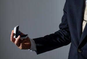 【浜松市結婚事情】どうやって払う?無理のない婚約指輪の支払い方法とは