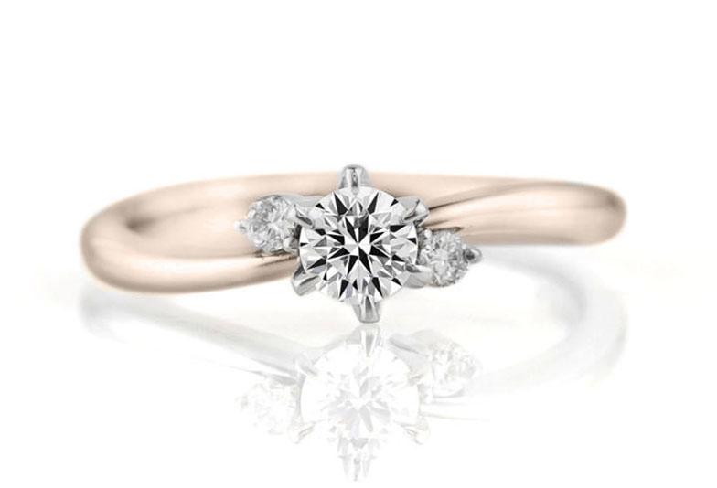 【静岡市】シンプルでも可愛く見える婚約指輪は?迷ったときはゴールドがおすすめ