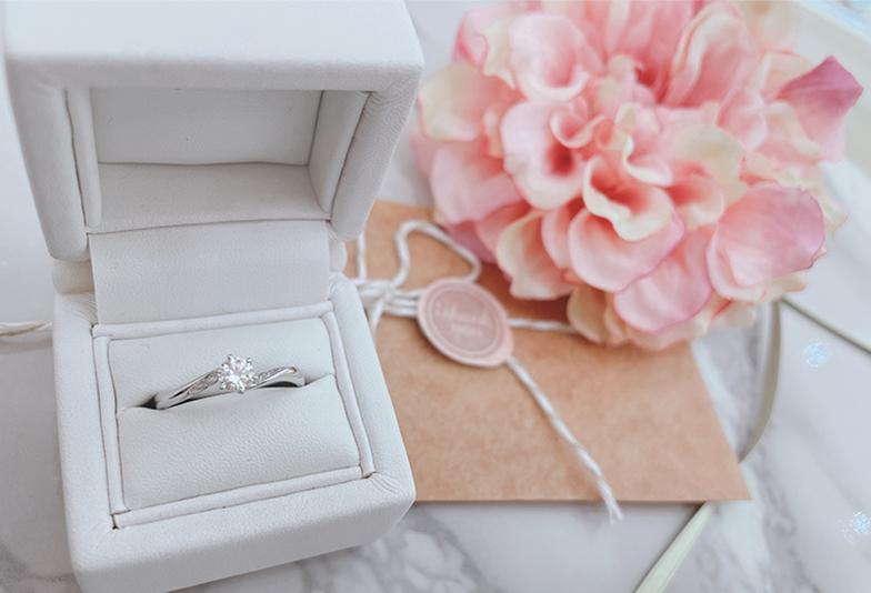 【静岡市】婚約指輪はサイズが分からないと購入できない?彼女にバレずにサイズを測る方法