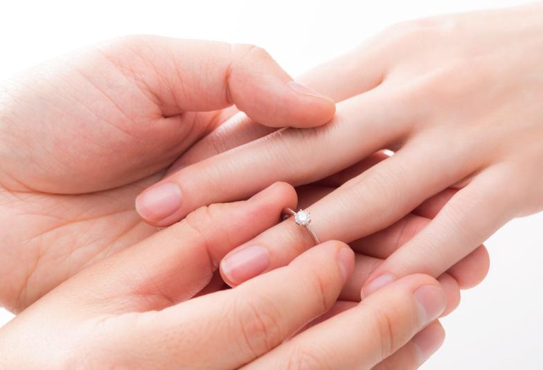 【神奈川県横浜市】必見!婚約指輪はひとりで選ぶ?彼女と一緒に選ぶ?