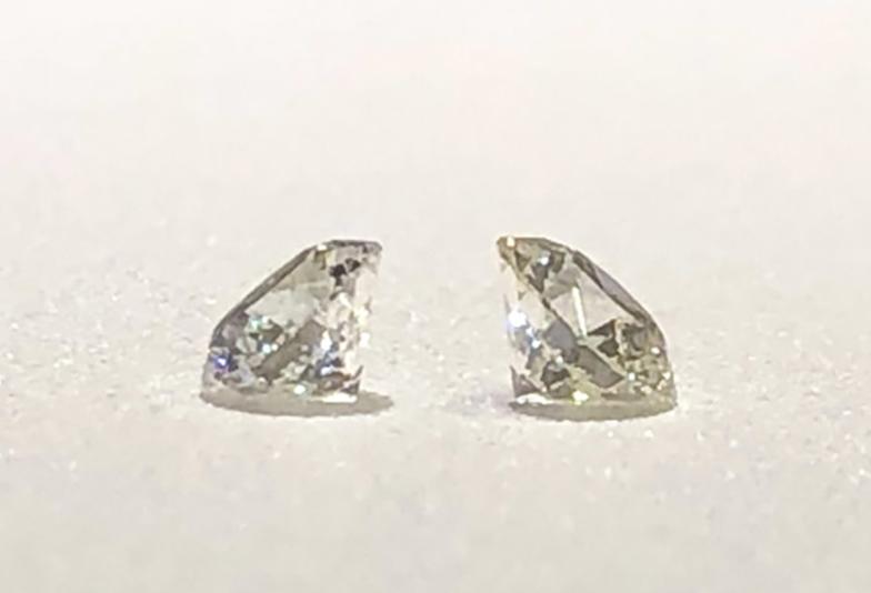 DカラーとHカラーのダイヤモンド