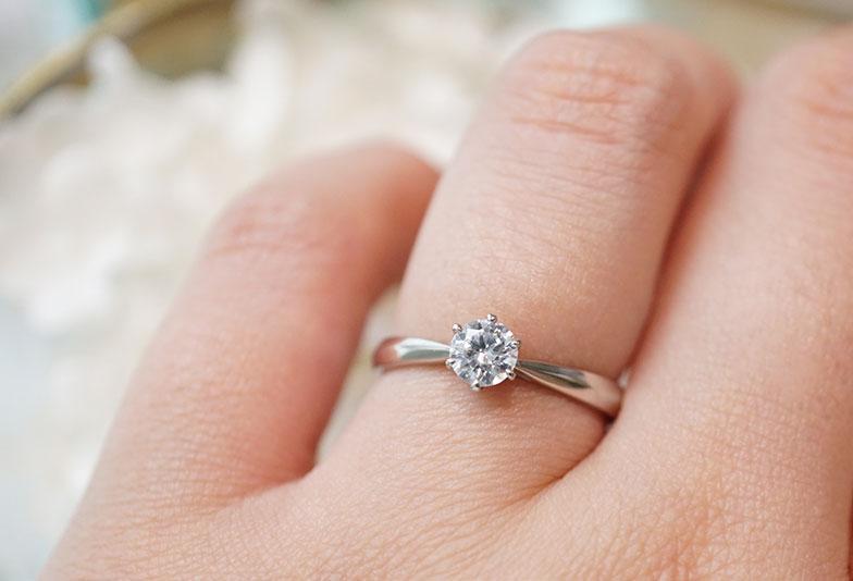 婚約指輪 ラパージュ ピュール 着用