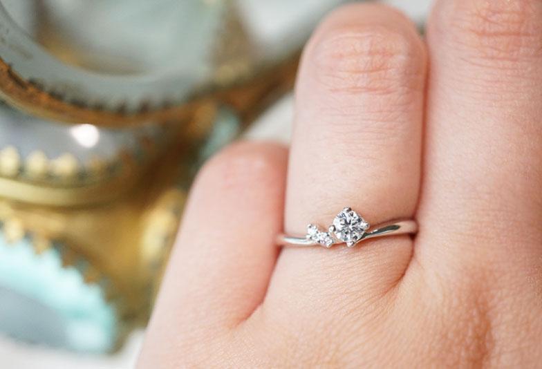 婚約指輪 カフェリング ローブドゥマリエ 着用