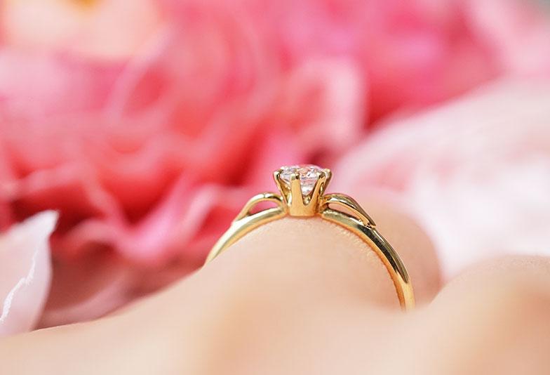 婚約指輪 ラパージュ 天使の羽 着用