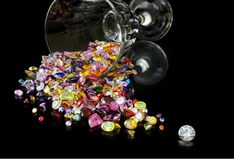 【福岡県久留米市】「耳をすませば」にでてくる宝石(ラピスラズリ)とはどんな宝石?