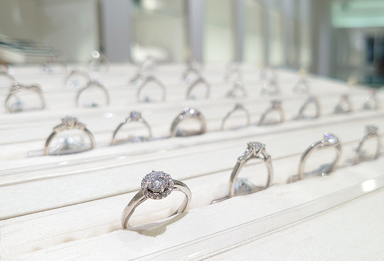 婚約指輪 たくさん お店
