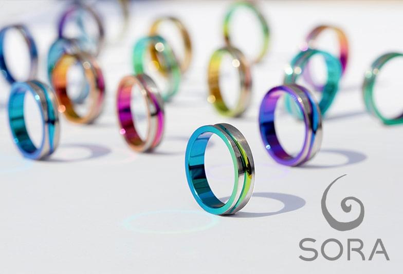 富山市で金属アレルギー対応のカラフル結婚指輪SORA