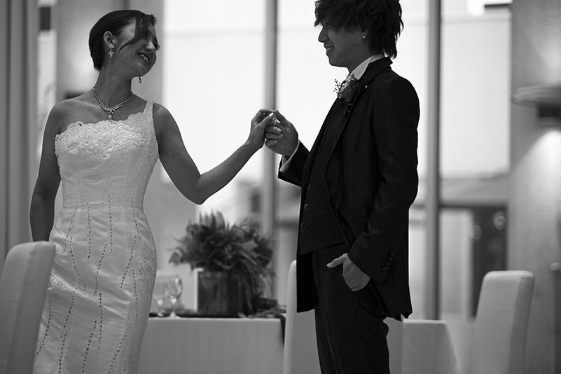 【浜松市】婚約指輪は一緒に選びたい?サプライズプロポーズの時に贈って欲しい?女性の本音聞いてみました。