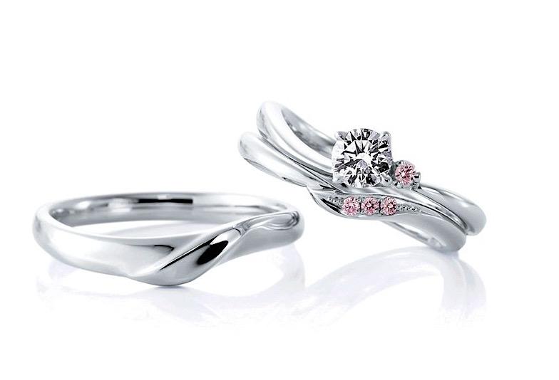 【金沢市】婚約指輪&結婚指輪は重ね付けでより可愛く!人気のセットリング