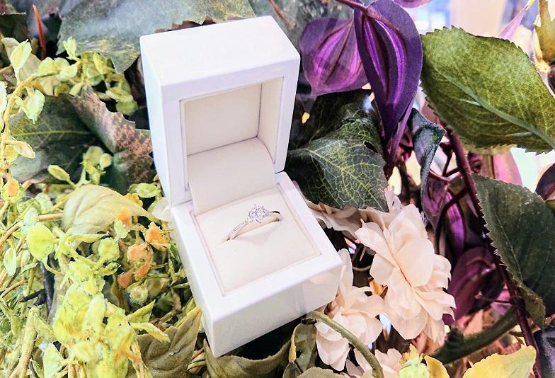 【京都市】お急ぎのプロポーズにも対応可能!低価格でご用意できる婚約指輪ブランド「リトルガーデン」