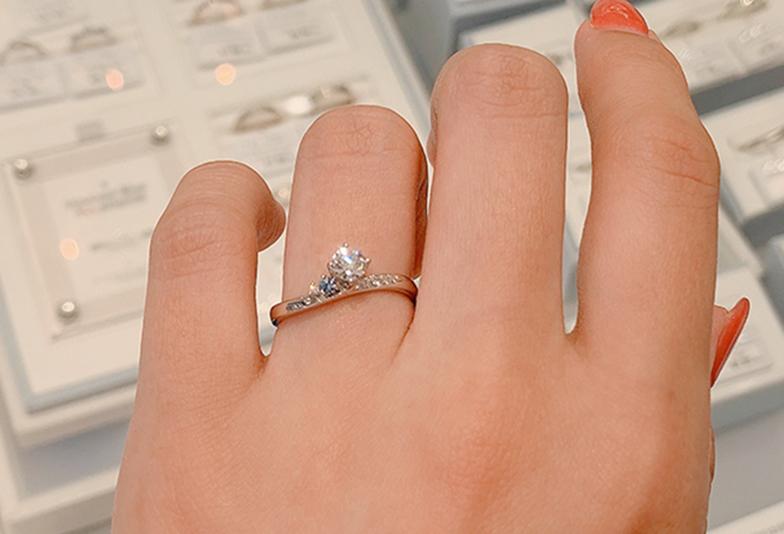 オンリーユーの婚約指輪