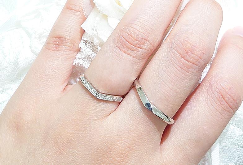 プラチナ V字 結婚指輪 着用