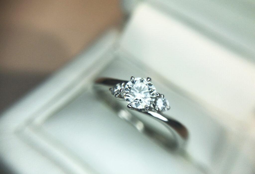 【静岡市】指が太い!私でも似合う婚約指輪のデザインって?