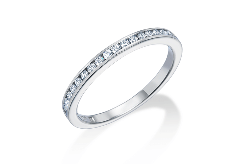 ロイヤルアッシャーダイヤモンドのハーフエタニティリング