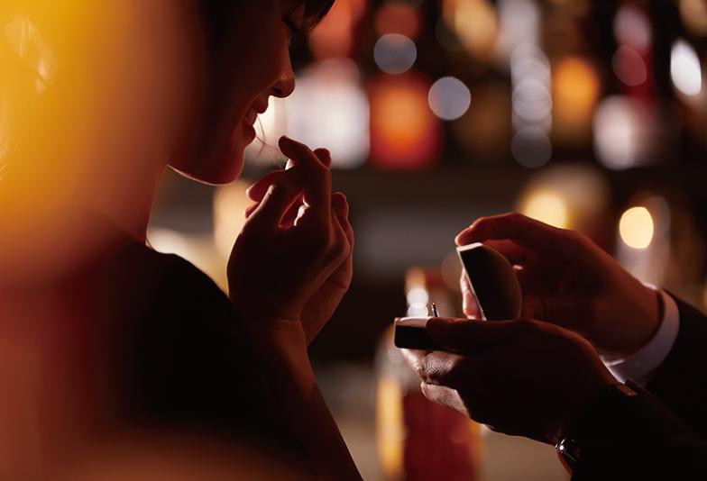 【松本市】婚約指輪は英語の刻印でメッセージを込めて贈りませんか?